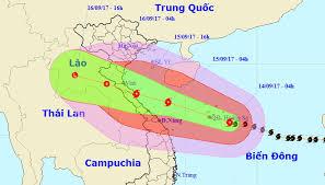 CBGV-CNV trường THPT Vũng Tàu ủng hộ đồng bào lũ lụt miền Trung